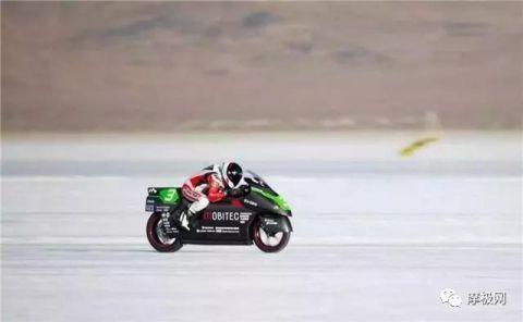 日本电动摩托车创电动摩托车级别的世界最快纪录