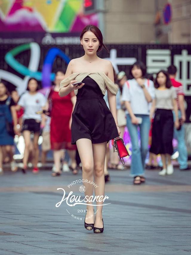 路人街拍: 重庆美女, 与生俱来的高贵气质!