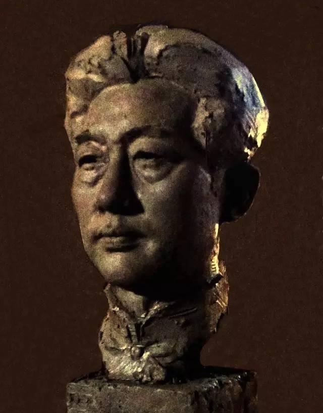 徐悲鸿铸铜人物肖像雕塑