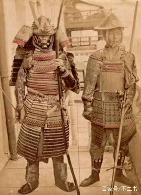 百年前的日本武士上色彩照 留着秃顶浪人头 个