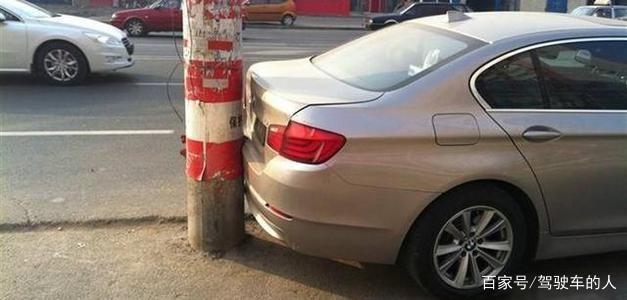 """老司机口中常说的""""轮胎镜""""真的有用吗?想要倒车无忧全靠它!"""
