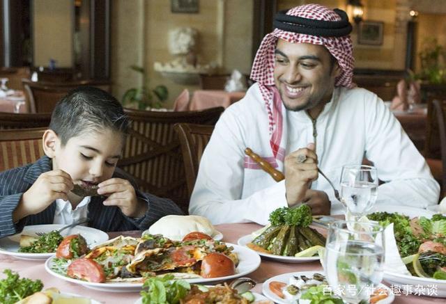 沙特阿拉伯人的饮食,给大家分享一下,速度进来
