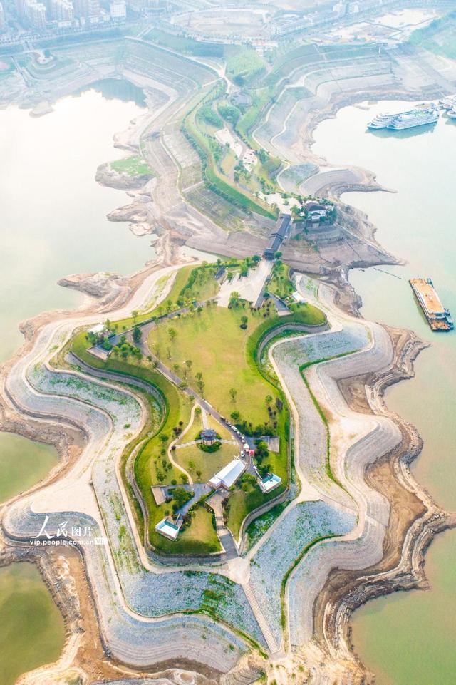 湖北宜昌:三峽水庫完成2021年水位消落任務