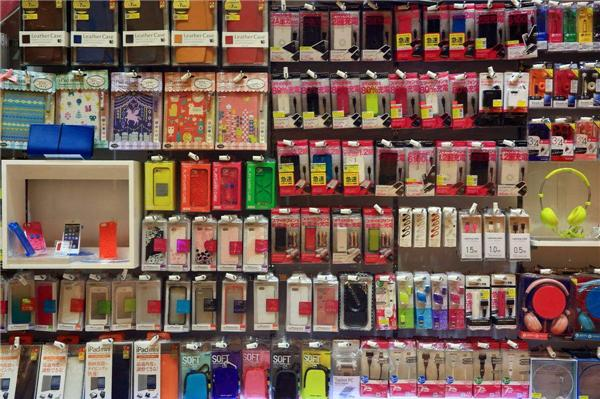 怎么手机赚钱:在大街上卖手机的商店通常空无一人。他们如何赚钱?看了很久的经历  用手机怎么可以赚钱 手机上网怎么赚钱 怎么在手机上面赚钱 怎么用手机赚钱 第2张