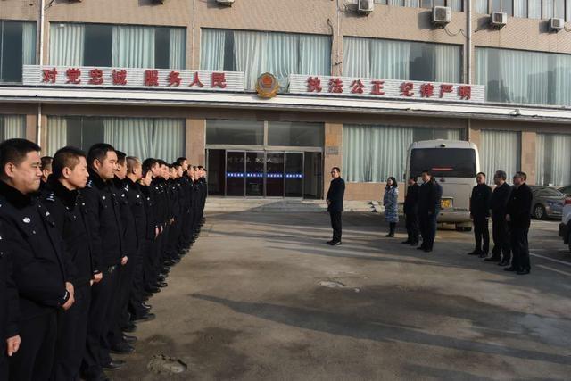 开发区:王文峰带队慰问公安消防城管和敬老院