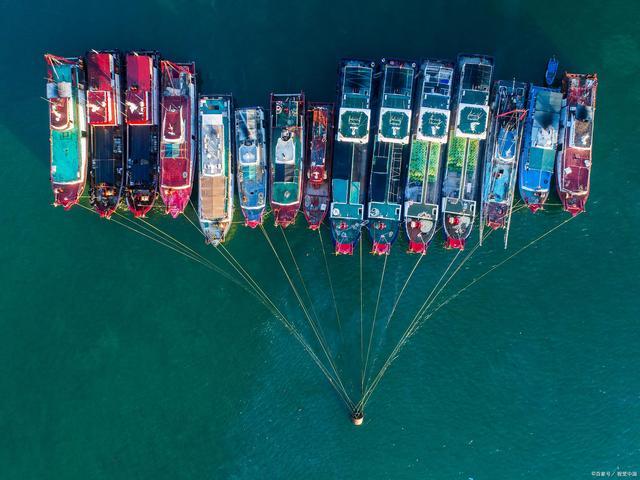 我國四大漁港之一,擁有全國最大的潟湖,紅色旅遊線路坐車不要錢