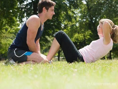 图解四个最有效的腹肌锻炼动作-轻博客