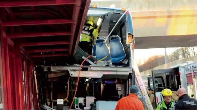 加拿大公交车祸3死23人伤现场图曝光 加拿大公交车祸原因是什么?