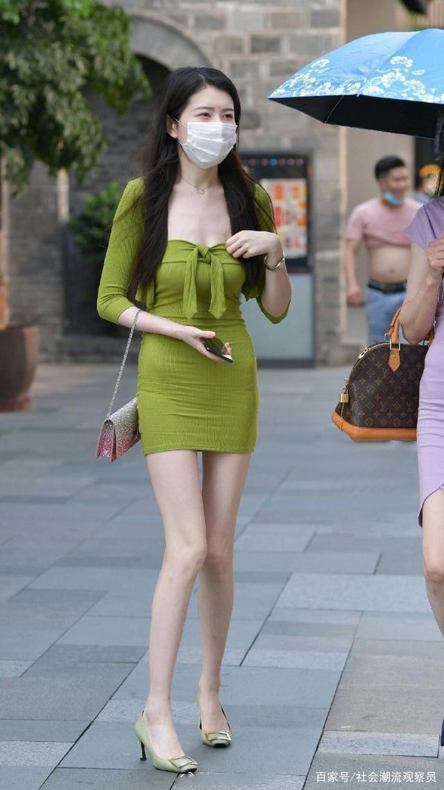 简约时尚的连衣裙,散发由内而外的魅力,看了心动