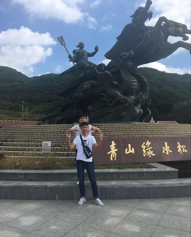 吉林省松花湖的美景,犹如蛟龙从天而降
