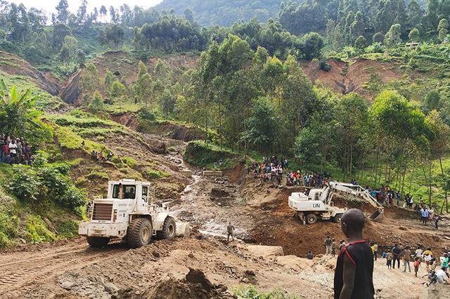 中國赴剛果(金)維和工兵分隊搶修關鍵道路 協助災民撤離