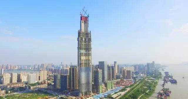 建筑行业的国之重器:空中造楼机!