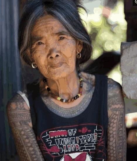 年轻爱美绣纹身,老后会成什么模样?|刺青常识-郑州天龙纹身工作室