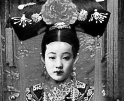 这口井因一名清朝妃子出名,如今成为旅游景点,却经常出现灵异事件