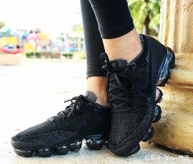 u=1962376009,19155243&fm=173&app=49&f=JPEG?w=640&h=543&s=FC82ED16D0A2F2BDBEA419030300A060 - 適合秋冬穿的NIKE鞋不是AJ,而是這雙潮鞋?