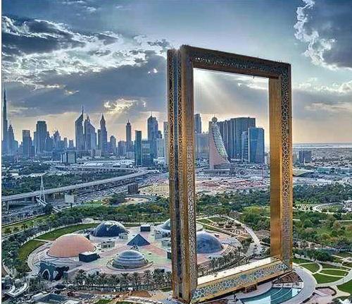 """迪拜最""""没用""""的建筑物,耗资3亿修建,网友:感觉没有实际用处"""