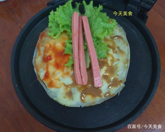 将绿豆小米磨成粉做成浆,这样的煎饼果子你买不到,清香筋道好吃