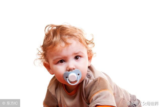 宝宝多大能用安抚奶嘴?什么时候该戒掉?这些