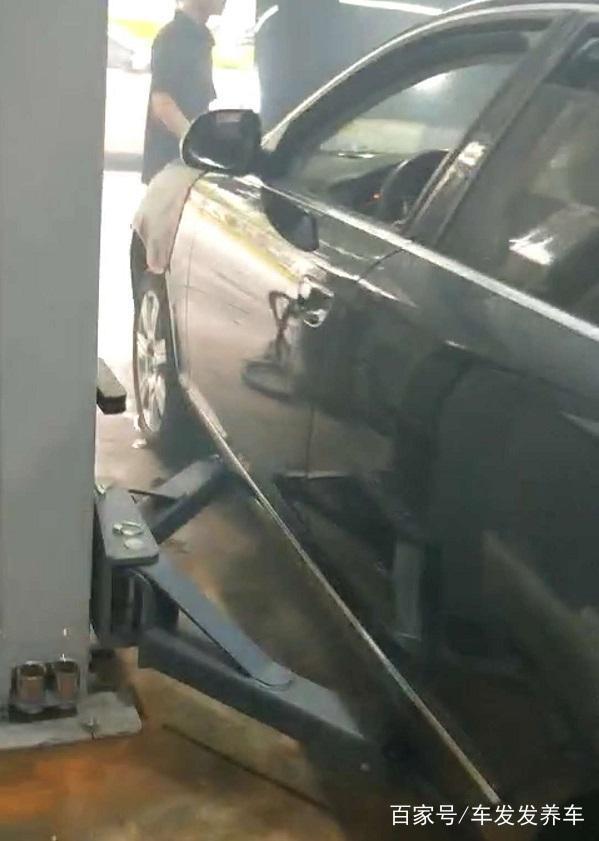 2010款奥迪A6打不着火,更换高压油泵解决故障!