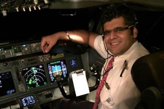 """印尼失事客机坠毁前曾急速下降 机长惊呼""""救命"""""""