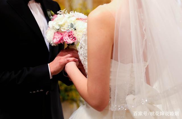 人到中年,凌晨三点摇醒妻子,我终于明白当初结婚的意义