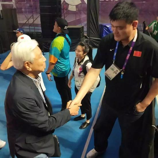 大国风范,姚明巧妙回怂韩篮主席