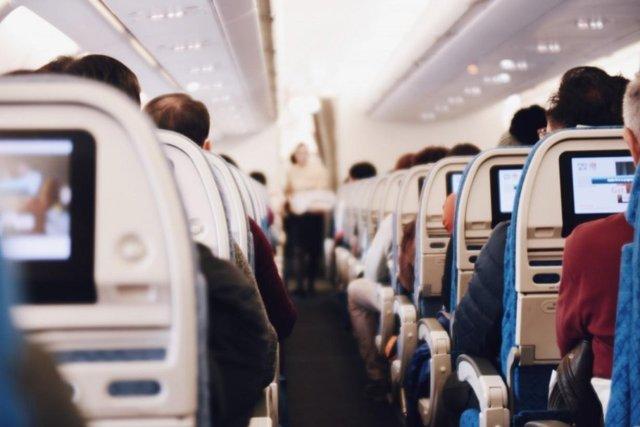 飞机上可以开手机,主动降噪耳机行业商机来临!
