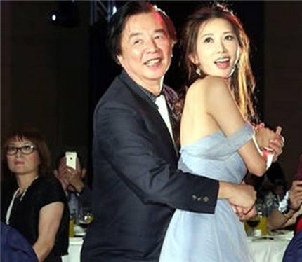 43岁林志玲与74岁老爸一起跳舞,最后一张网友看得脸红!(4)
