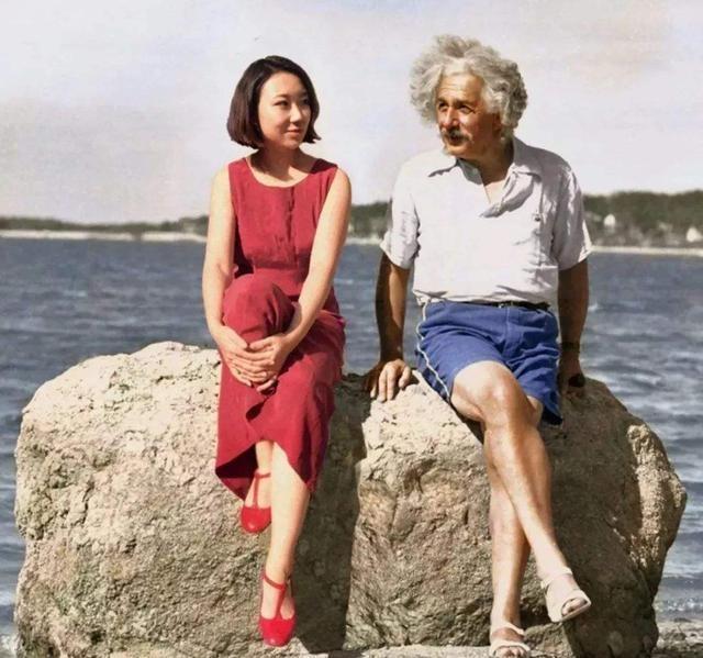 为什么有人说爱因斯坦不是量子力学的奠基人之一