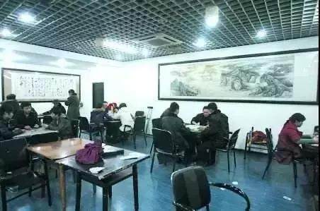 黄石警方公布赌博举报电话,居民小区营利棋牌