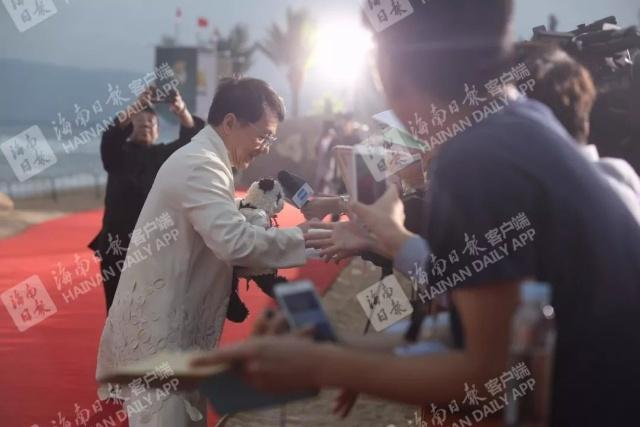 首届海南岛国际电影节闭幕式三亚举行!红毯美