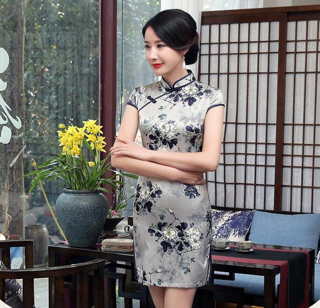无刺绣不旗袍 亮片绣花已成旗袍设计中最重要元素