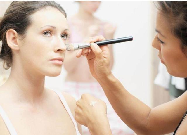 女人护肤很重要:总结10个理由+100个实用技巧