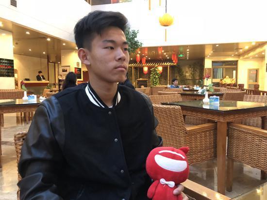 14岁清华少年拒恒大邀约,天赋过人