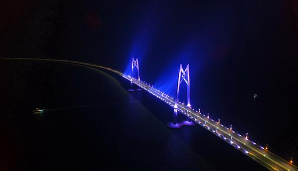 """港珠澳大桥正式通车运营,""""国之重器""""是如何炼成的?"""