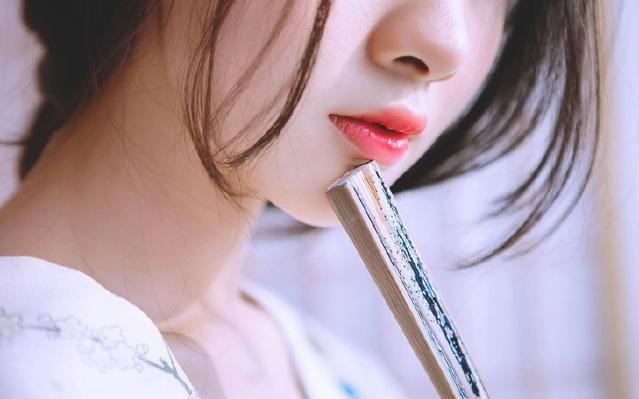 开架彩妆品牌里数一数二,盘点美宝莲那些超好用的彩妆单品!