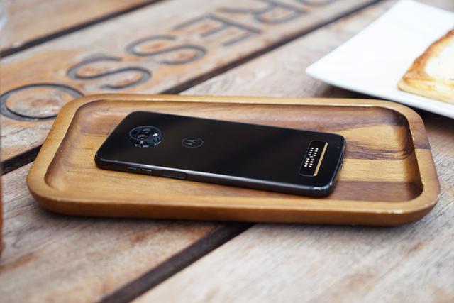 全球首款5G手机到底如何?motorola z3首发评测