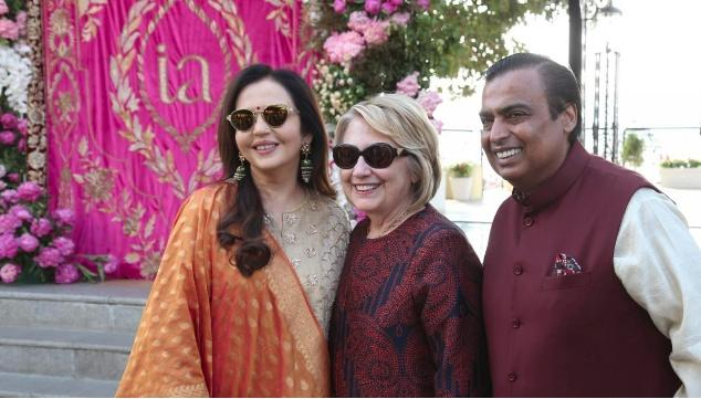 印度首富嫁女:豪华名单包含希拉里碧昂丝