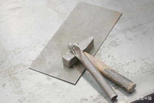 鈑金工作中使用的工具(圖1)