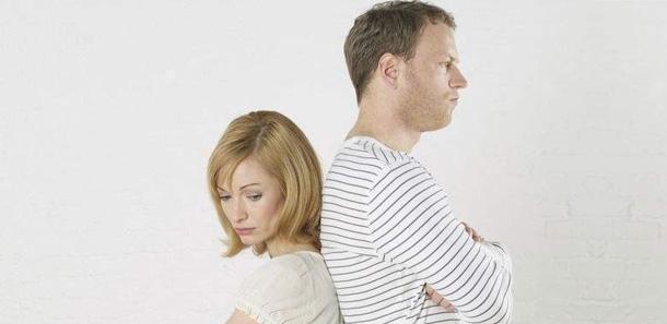 一方不愿意离婚如何快速离?夫妻一方不离婚谁