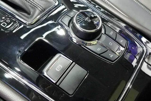 东风580正式亮相LED光源刹车灯的流体动感尾灯,提升车型时尚度