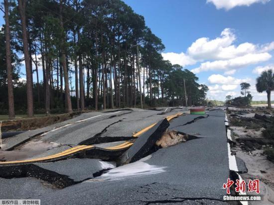 """飓风""""迈克尔""""已导致18人死亡 当地数千人仍失联"""