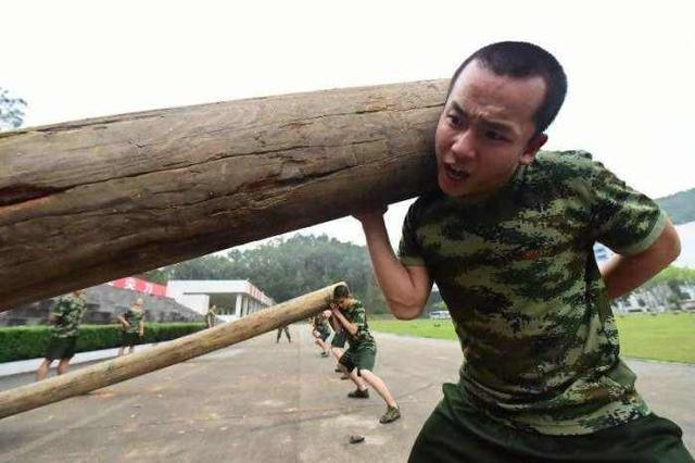 新兵训练三个月到底有多累?