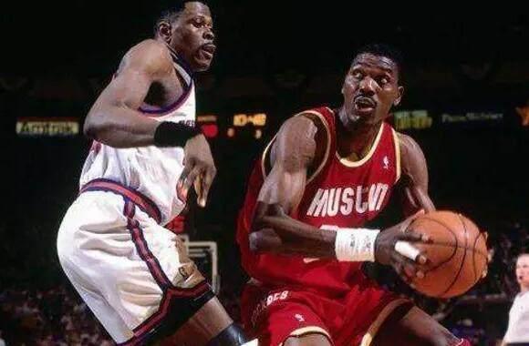 对比90年代的篮球打法和现代篮球的打法,现代