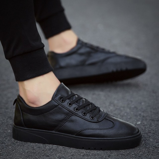 你還在穿過時的皮鞋?今年流行這9款男士休閒鞋,時尚運動兩不誤