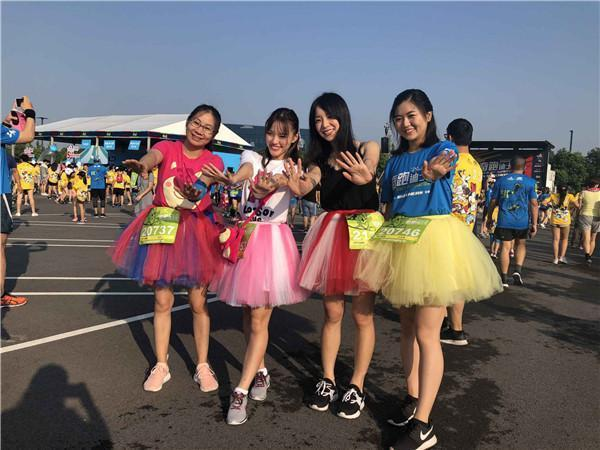 """火遍全球的迪士尼路跑赛事""""奇跑迪士尼""""终于来到上海!"""