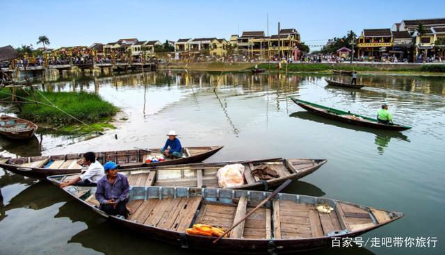 越南人扎推涌入中国旅游,却一脸疑惑:怎么跟传闻中的完全不一样