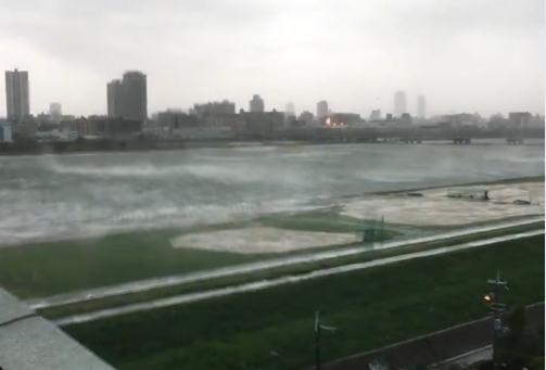 台风袭击日本致11人死亡:5000人受困机场 今起坐船前往神户
