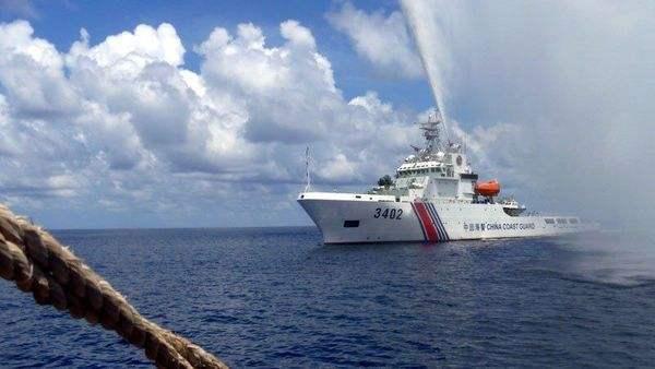 官媒披露中国海警船南海驱离外国渔船视频 真
