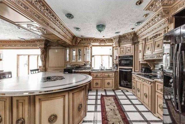 美国最丑房子5年被卖7次,从1400万降到580万-玩意儿